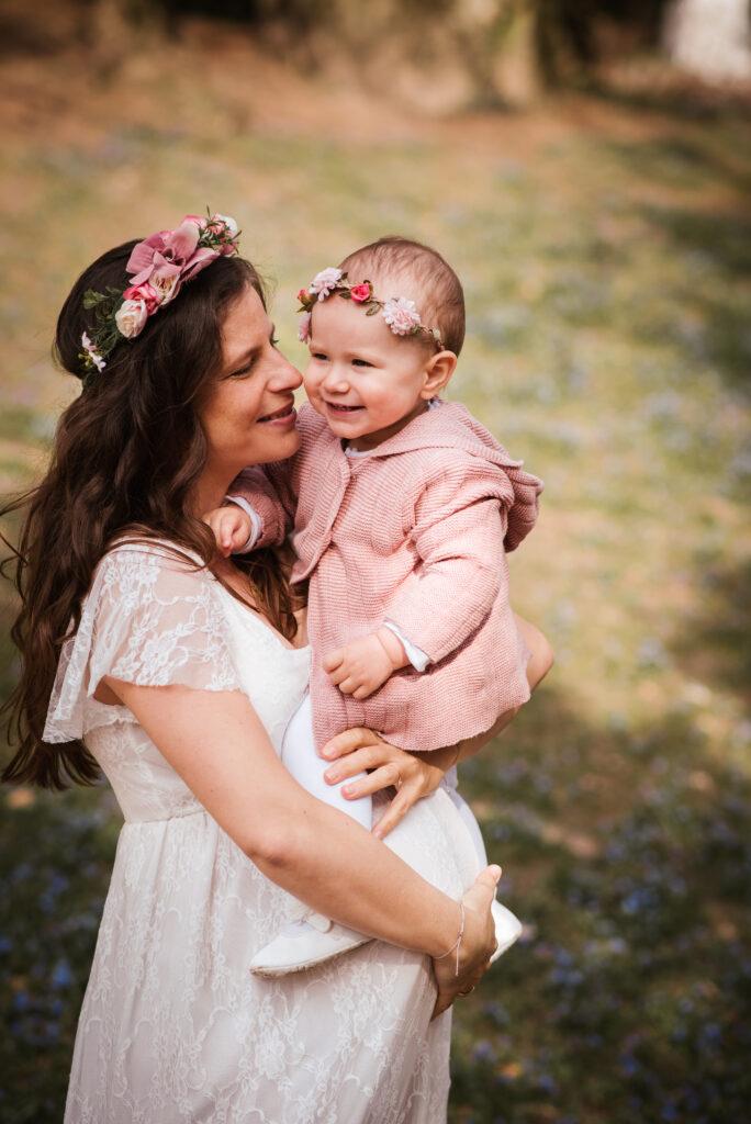 Babybauch Blumenkranz